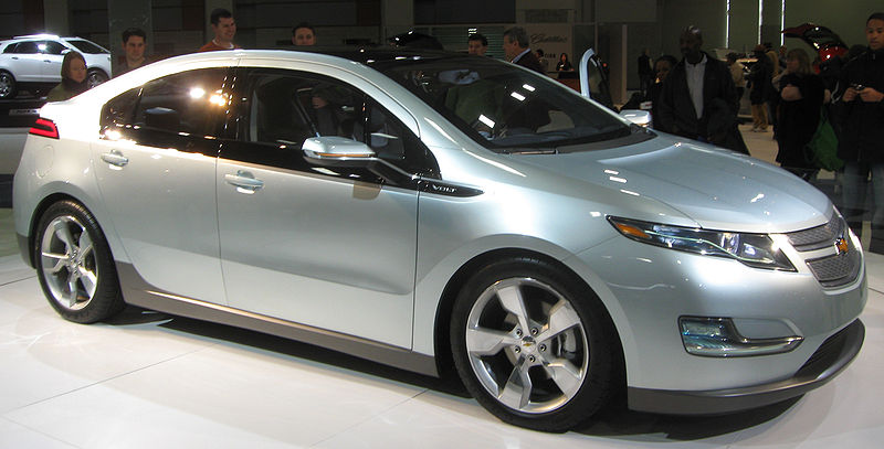 Chevy Volt Advantages and Disadvantages http://markbc.wordpress.com/why-we-dont-need-oil-or-gas/electric-cars/